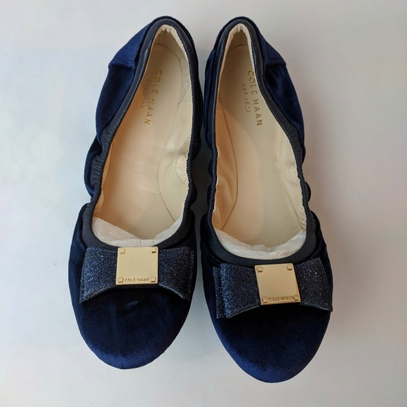 a6f51b5a5f5 Cole Haan Shoes - Cole Haan Tali Bow Blue Velvet Ballet Flats 8.5